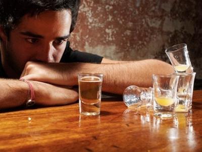 Uống rượu bia làm tăng nguy cơ mắc ung thư gan