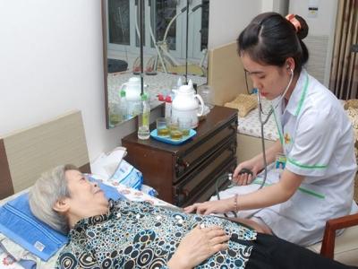 Giải pháp chăm sóc người cao tuổi tại nhà